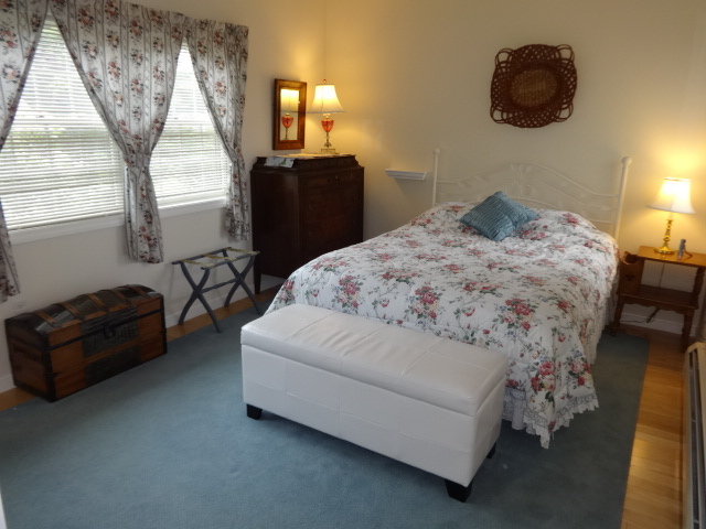 Coves Edge First Floor Master at Acadia Seaside Cottages