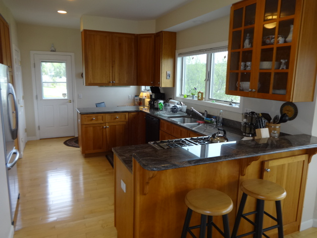 Coves Edge Kitchen vacation cottage