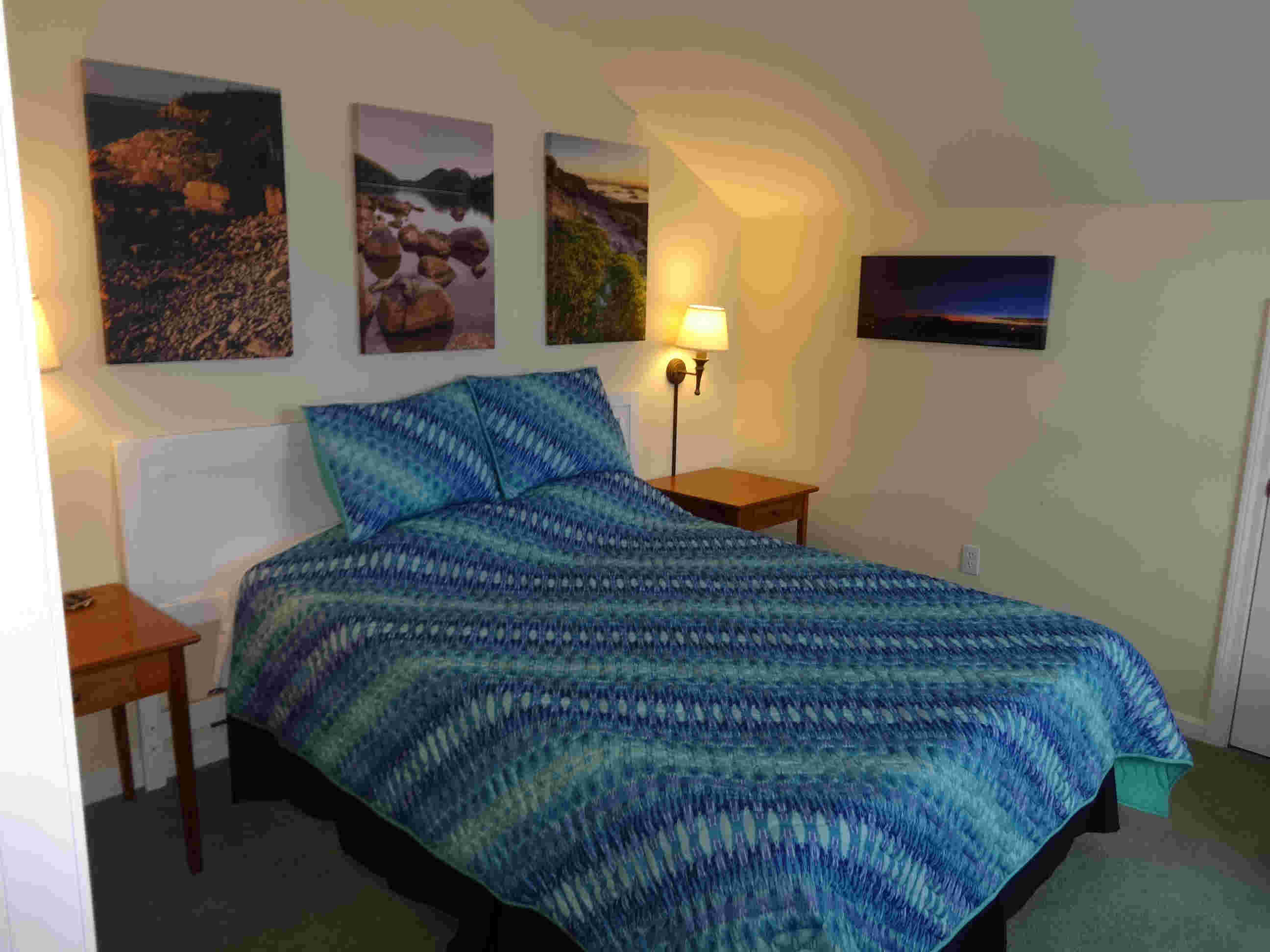 Coves Edge Upstairs Queen Vacation cottage